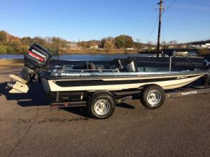 1993 Ranger 18ft Dual Console Bass Boat, 150hp Evinrude, Runs Great !!